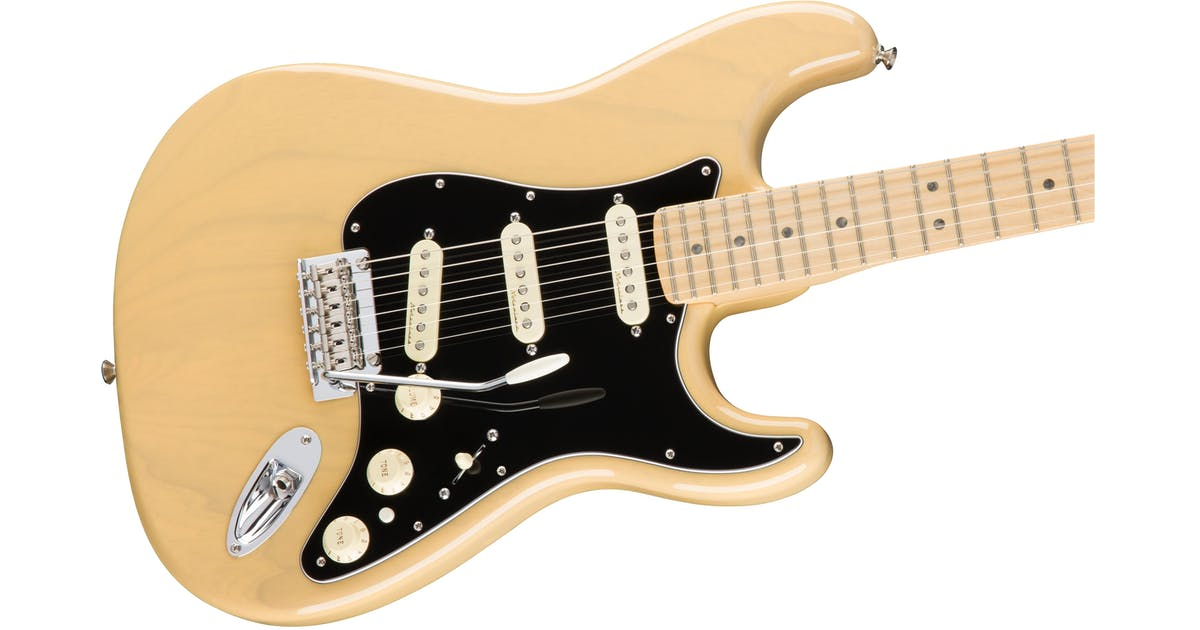 fender deluxe stratocaster maple fingerboard in vintage blonde andertons music co. Black Bedroom Furniture Sets. Home Design Ideas