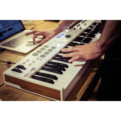 Arturia Keylab 61 Essential- Controller Keyboard with Analog Lab