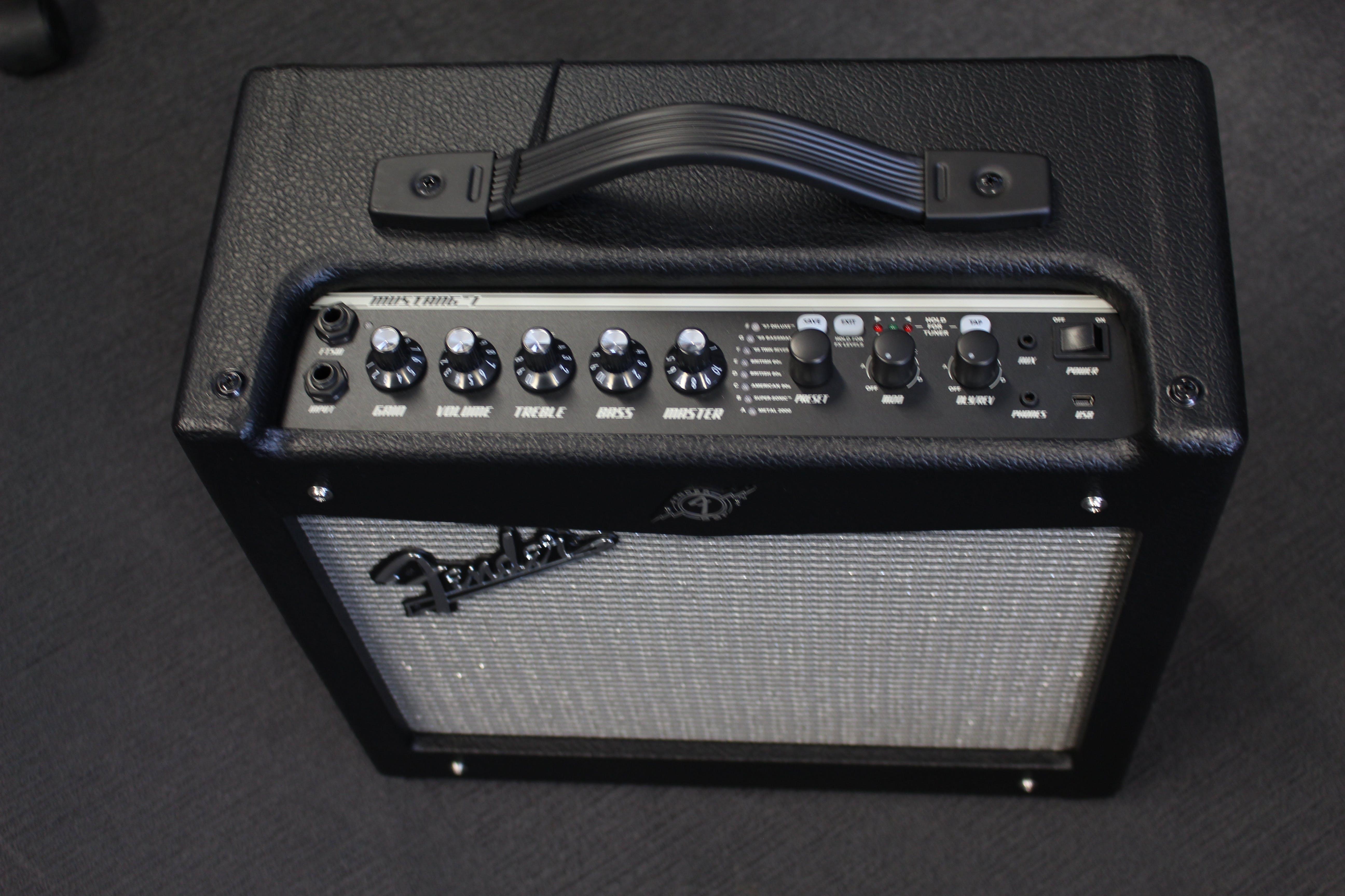 Fender Mustang 1 V2 >> Second Hand Fender Mustang 1 V2 Andertons Music Co