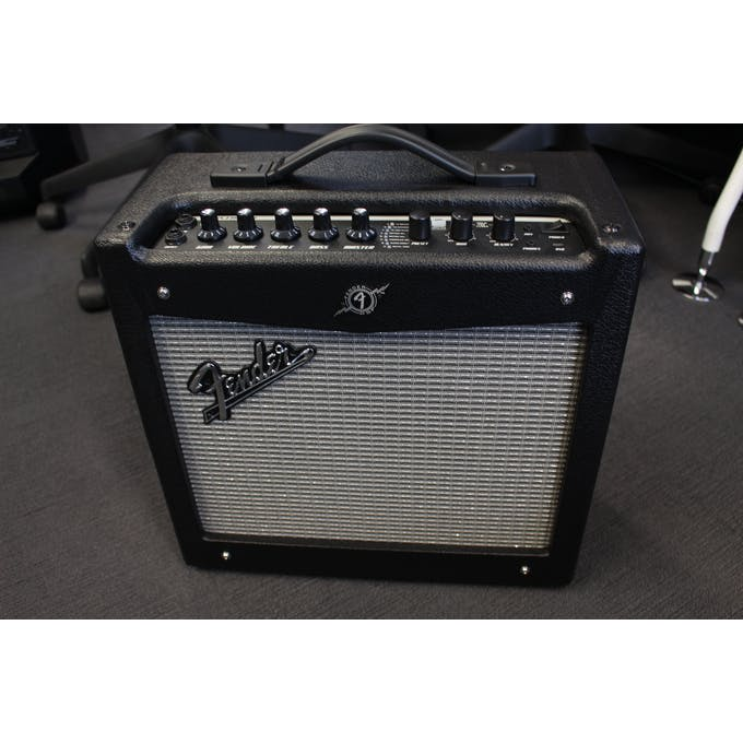 Fender Mustang 1 V2 >> Second Hand Fender Mustang 1 V2 Andertons Music Co