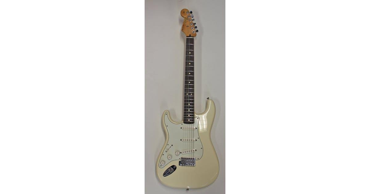 Second Hand Fender Standard Strat Left Handed - Andertons